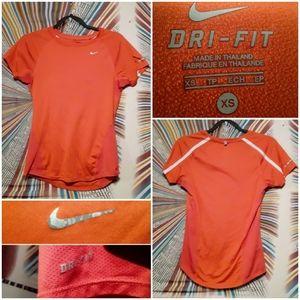 Nike Dri-Fit Womens XS Exercise/Running Teeshirt